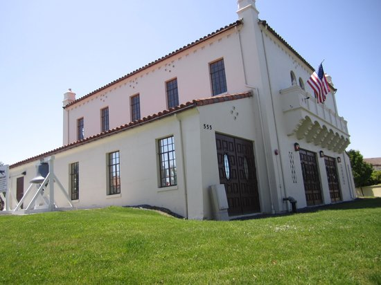 Novato, CA: Museum is in the old Base Firehouse