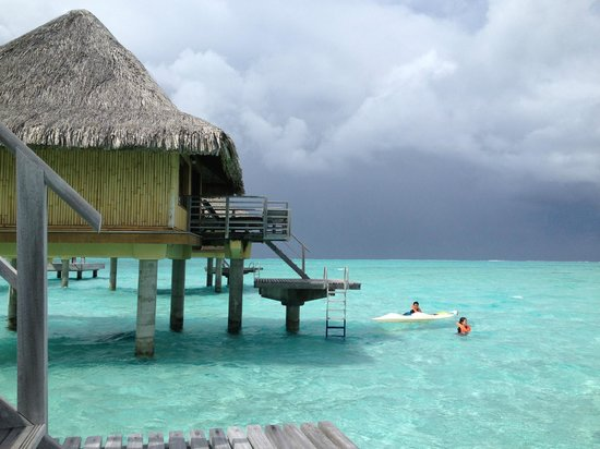 InterContinental Bora Bora Le Moana Resort: Weather can be changable - showers moving in from the sea but don't let a bit of rain put you of