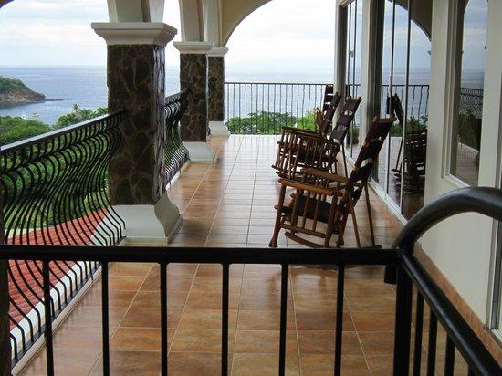 Barefoot Vacation Villas: second floor porch