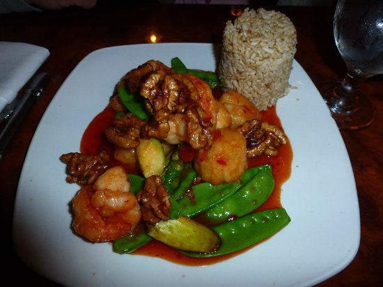 Confucius Chinese Cuisine : Walnut Shrimp & Scallops w/ brown rice at Confucius
