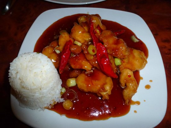 Confucius Chinese Cuisine : General Tso's Chicken w/ white rice at Confucius