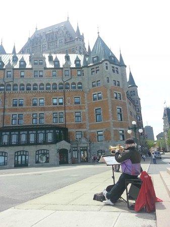 Hotel Le Vincent: Chateau Frontenac