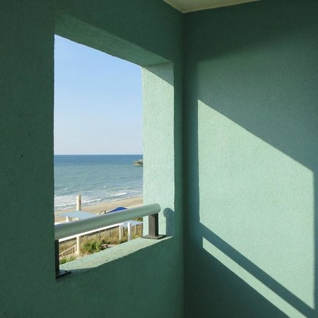 Bay View on the Boardwalk: one of two open windows in large balony on double bedroom suite