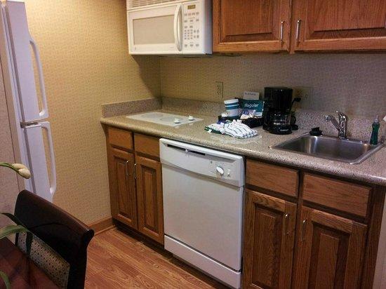 Homewood Suites Hagerstown: Kitchen