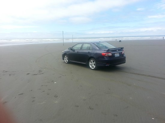 Quinault Beach Resort and Casino: parking on the beach
