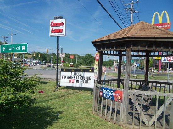 Days Inn Huntington: Chuckie's Lounge