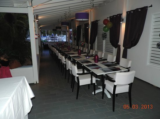 Victoria's Restaurant: Set up for a Birthday