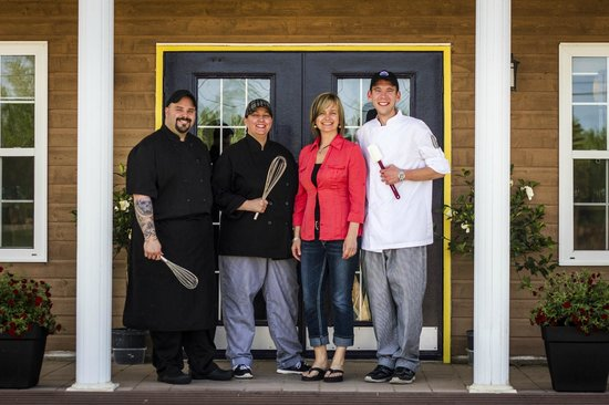 Clove Hitch Bar & Bistro: Staff~2013 We are happy to serve you!