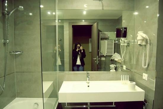 Klima Hotel Milano Fiere: Bagno(molto pulito)