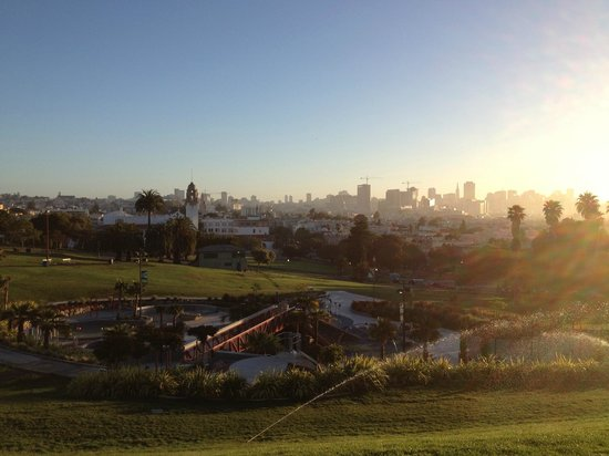 Mission Dolores Park: Disneyland for Drunks at 6am (and the joggers that love to watch)
