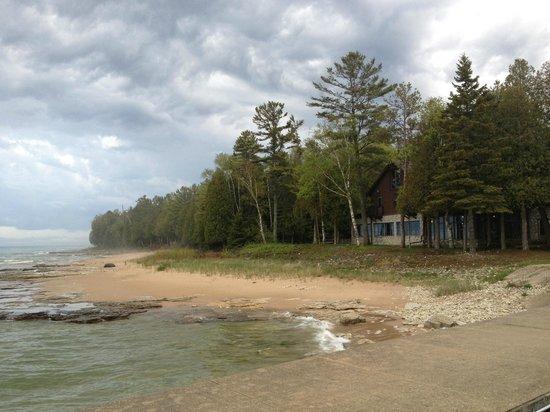 Donny's Glidden Lodge: Glidden Lodge tucked away