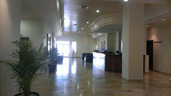 Hotel Aeropuerto Los Cabos: lobby
