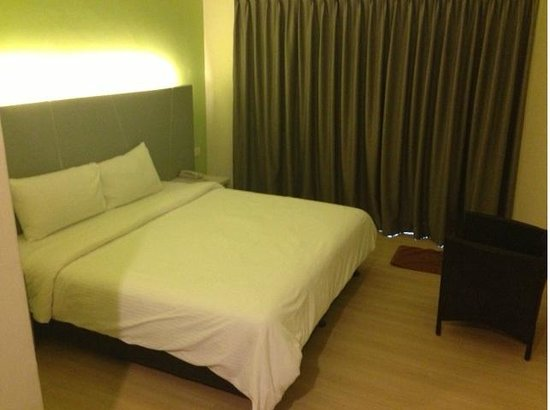 Marvelux Hotel : Simple room, Superior