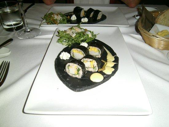 L'Estaminet: crab and scallop maki
