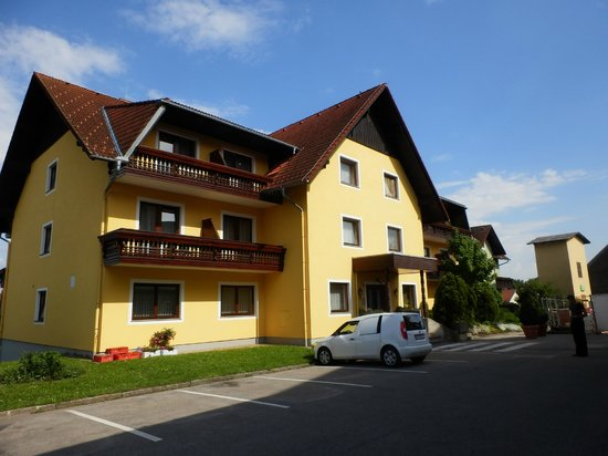 Hotel Reif - Urdlwirt: Main room building