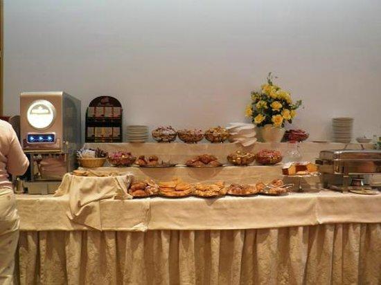 Hotel Gioberti: 朝食バイキング