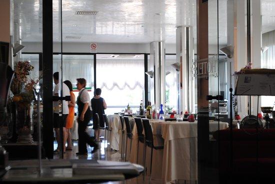 Hotel Derby : Ресторан при отеле
