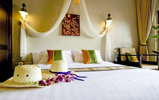 Kanok Buri Resort: Interior