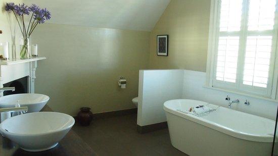 Bellerive House: bathroom, how nice!