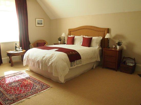 Bellerive House: Mount Wellington room, beautifully decor