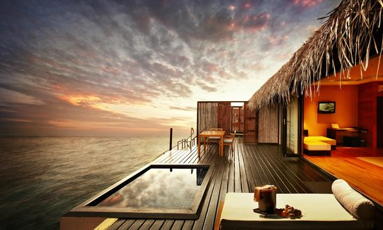 Vaadhoo Island: Sunset Water Villa