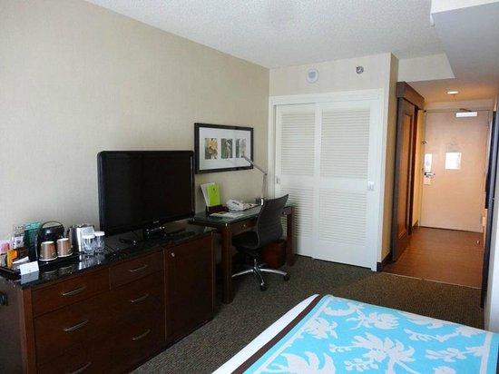DoubleTree by Hilton Alana - Waikiki Beach: 清潔感のある部屋