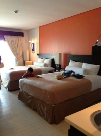Thunderbird Resorts & Casinos - Poro Point: our room