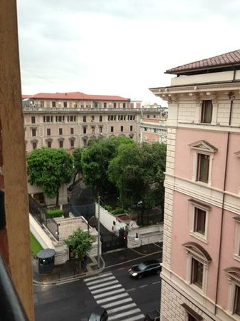Roma Boutique Hotel: US embassy from the view of our window