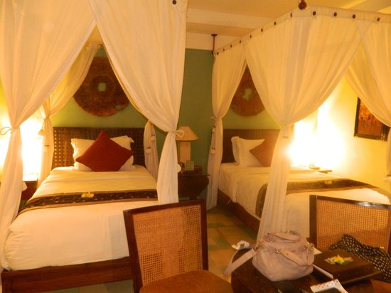 Rama Beach Resort and Villas: Puts you straight to sleep, super cozy!