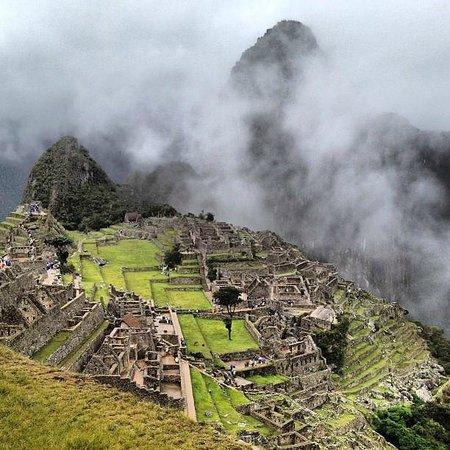 Machu Picchu - Exploring Pre-Inca Megalithic Aspects  Machu-picchu
