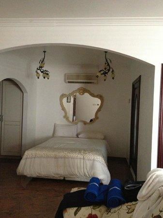 Le Bonheur Villa: Our big suite