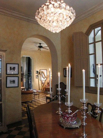 La Perla Hotel Boutique B&B: Swarovski Chandelier in Dining Room