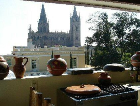 La Perla Hotel Boutique B&B: View of Expiatorio from Rooftop Terrace