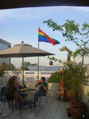 La Perla Hotel Boutique B&B: Rooftop Terrace View of the City of Guadalajara