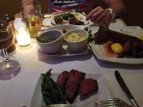 Angus' Cafe Bistro: Steak Special $80 - Amazing