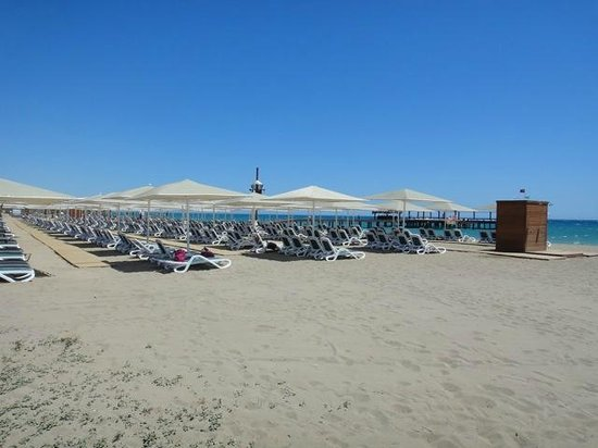 Gloria Golf Resort: beach area