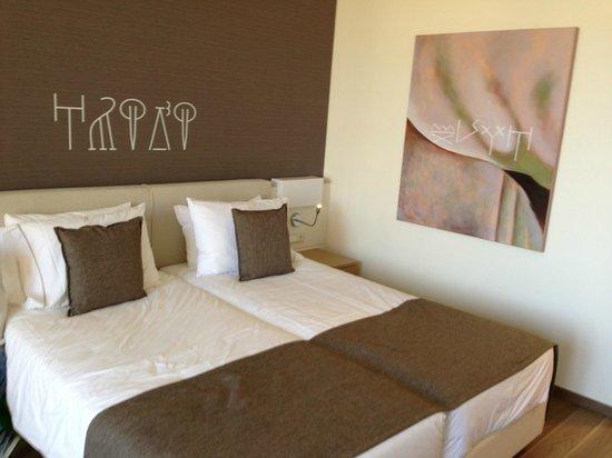 Avra Imperial Hotel: Room