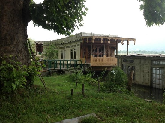 Photo of Butt's Clermont Houseboats Srinagar