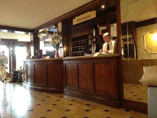 Chauffage de notre salle de bains picture of hotel belle for Salle de bain belle epoque