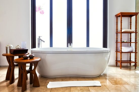 The Residence Zanzibar: The bath in the villa