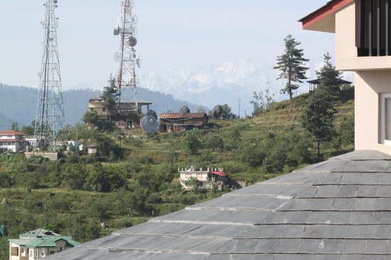 Banjara Orchard Retreat: View from Apple Room's Balcony - Snowy Peak
