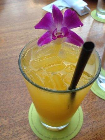 Tommy Bahama's Restaurant & Bar: Mango Lemonade!