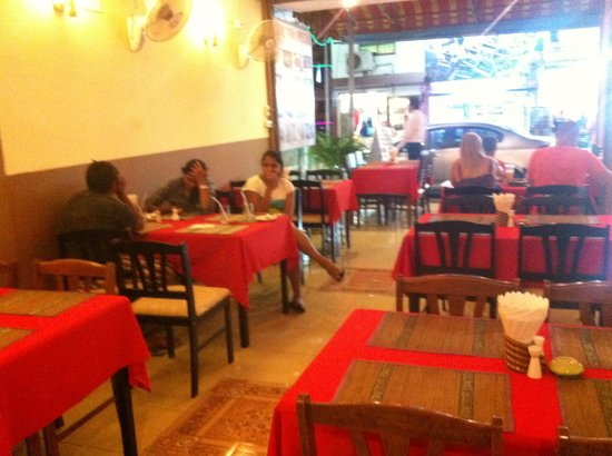 Live India: Simple Restaurant with excellent food