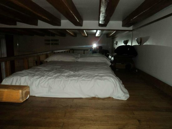 Hotel du Lion d'Or Louvre : This is the loft crawlspace. One child rolled off on to the floor all the time