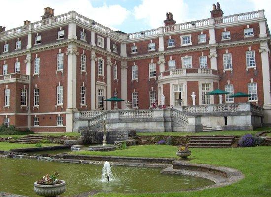 Swinfen Hall Hotel: Hall and Gardens