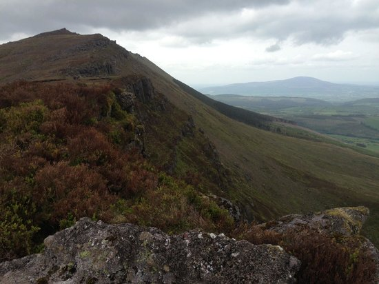 Hanora's Cottage: walking, comeraghs, nire valley