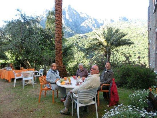 Hotel Colombo: Espace petit-déjeuner