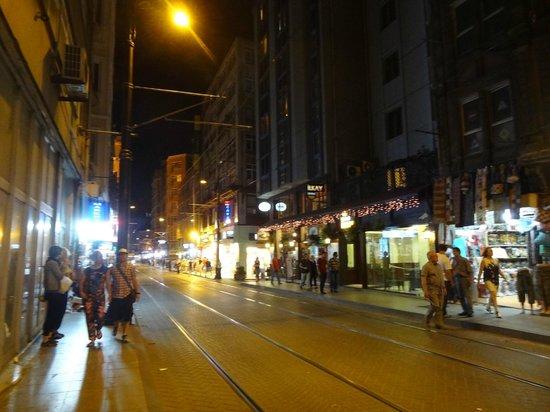 Hotel Ilkay: calle donde está Ilkay