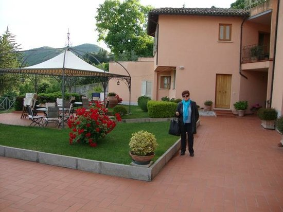 Albergo Villa Cristina : Giardino e terrazza