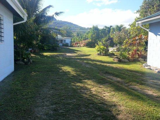 Kia Orana Beach Bungalows : Entrance way
